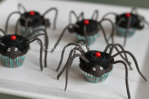 Red back spider cupcakes