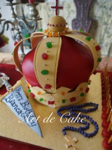 Medievil Crown Cake